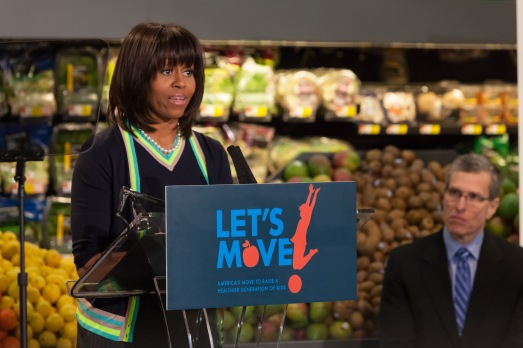 michelle-obama-at-walmart-on-lets-move-tour_130065695348337674